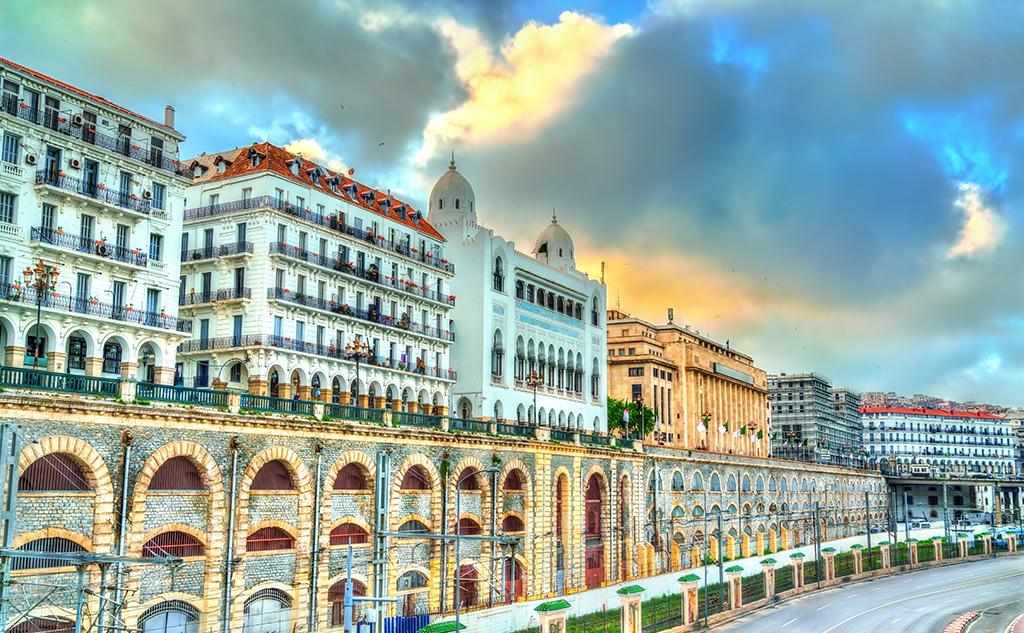 L'eau et l'énergie au cœur des priorités de l'Algérie, qui amorce sa transition énergétique